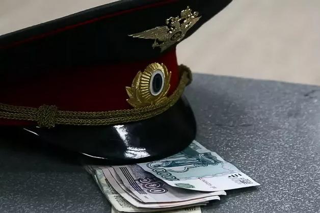 Экс-сотрудник томского УМВД по борьбе с киберпреступностью получил пять лет за взятку шкафом-купе