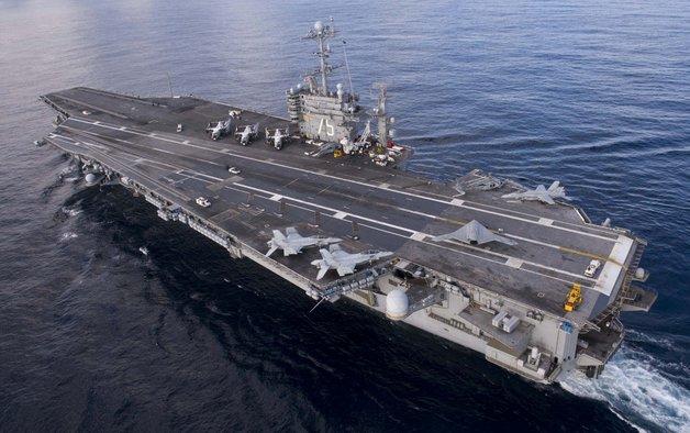 США перебрасывают ударную группу ВМС с авианосцем в Средиземное море