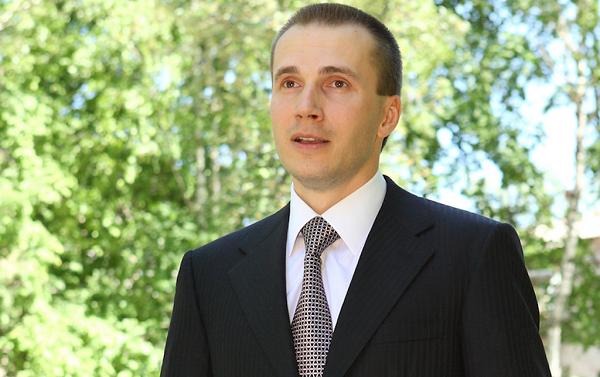 Со счетов фирм, связанных с сыном Януковича, сняли арест