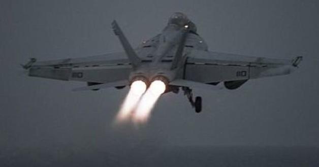 Авианосцы США приступили к ударам по Сирии
