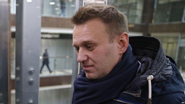 Уносили на руках: в Москве задержали Навального