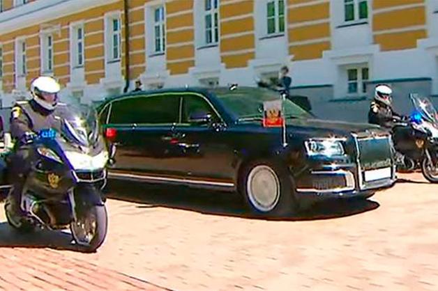 В ФСО объяснили, как лимузин Путина получил номера старой «Волги»