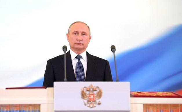 Путин вычеркнул Порошенко из списка поздравляемых с Днем Победы