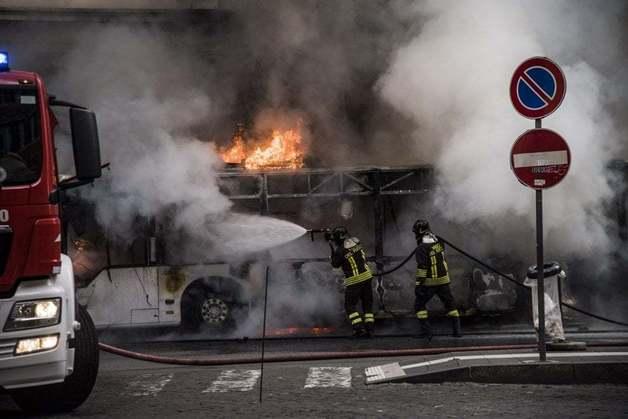 В Риме взорвался пассажирский автобус