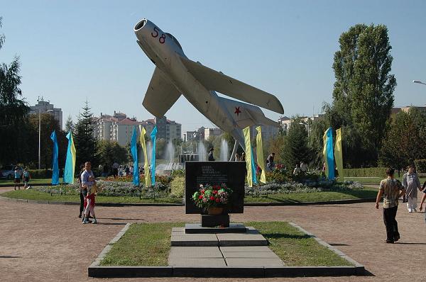 Чиновника Киевской облгосадминистрации подозревают в растрате 7 млн гривен при капремонте парка в Броварах