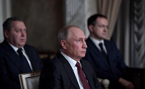 Владимир Путин призвал отказаться от доллара