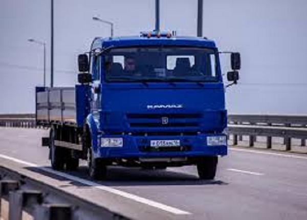Опубликовано видео испытаний Россией беспилотных грузовиков у Крымского моста