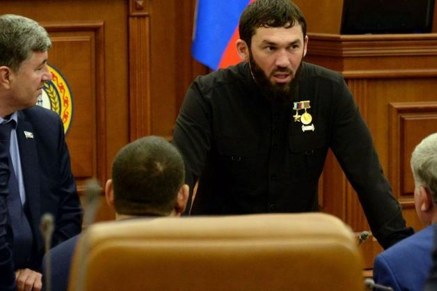 Спикер парламента Чечни приумножил состояние на треть и купил Mercedes