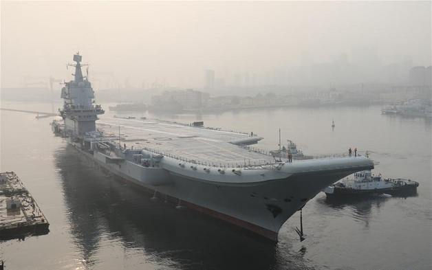 Китай вывел в море первый авианосец собственного производства