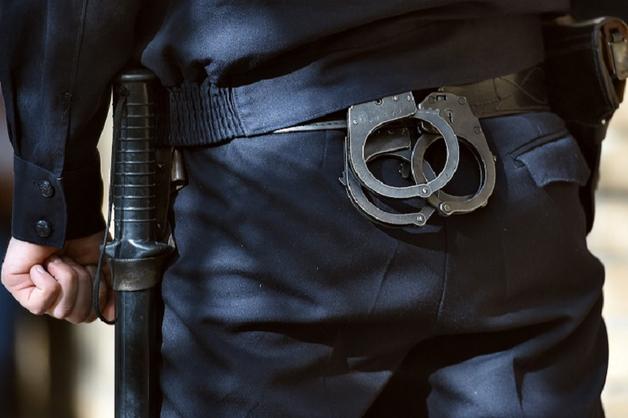 В Томске полицейские избили подростков – один из них наступил на ногу жене правоохранителя