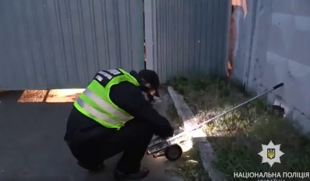 В Киеве на территорию складов бросили взрывчатку: ранены 6 человек