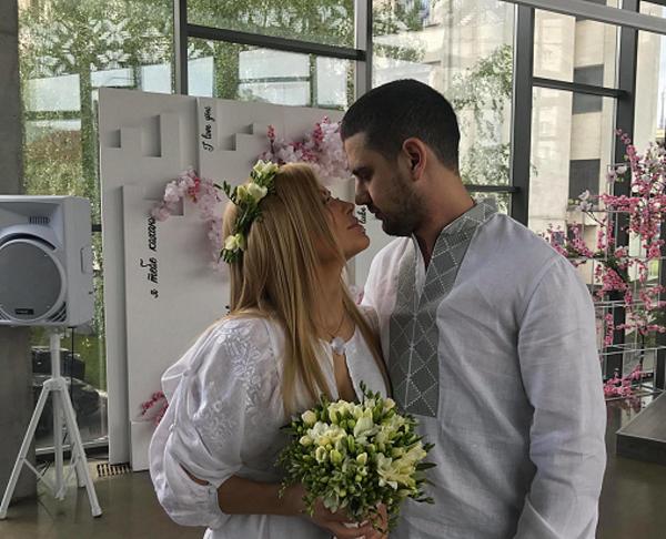 Родственники не пришли: подробности о свадьбе Дейдея