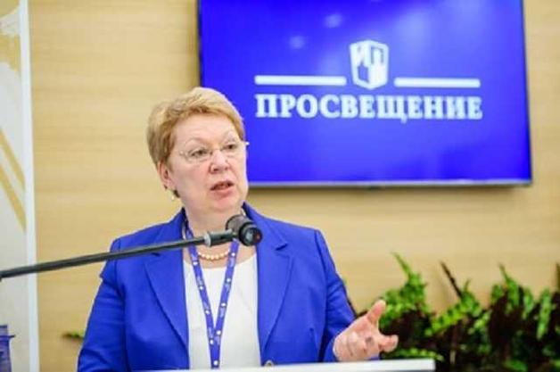 Сталинистка Ольга Васильева купается в офшорной роскоши