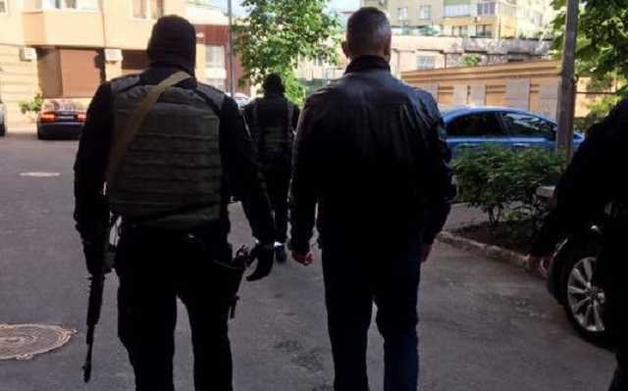 Похищали и пытали людей: в Киеве накрыли масштабную банду