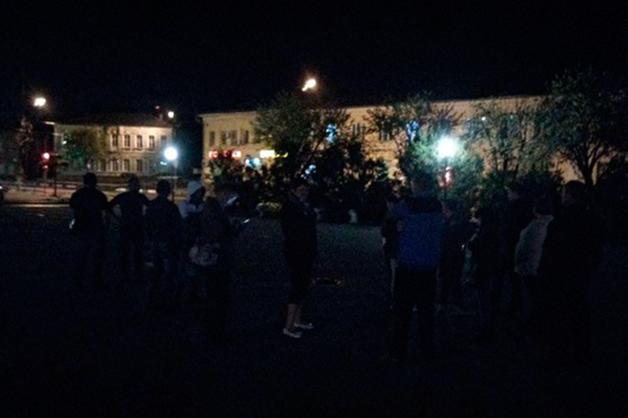 Волоколамцы из-за резкого запаха ночью вышли на городскую площадь