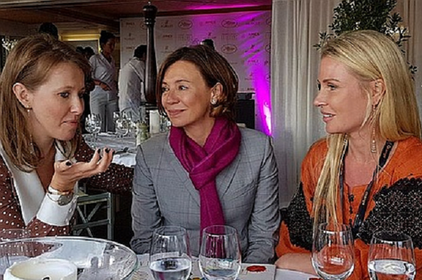 Жена экс-нардепа Мартыненко устроила праздник Собчак