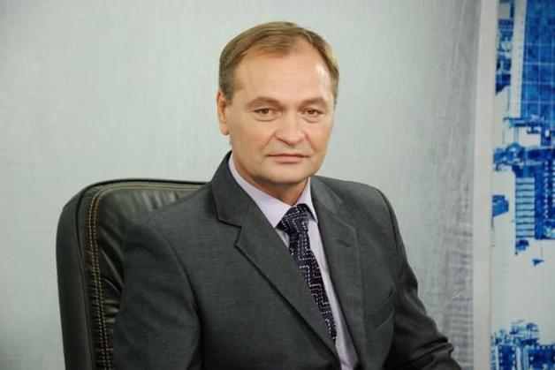 """""""Почему?"""", - """"По кочану!"""", - нардеп Пономарев пытался выхватить удостоверение у журналиста Криворучкина, на которого ранее напал"""