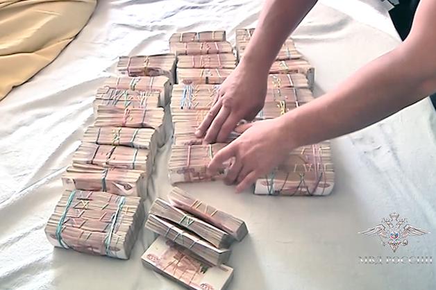 У подпольных банкиров в Дагестане и Москве изъяли свыше 100 млн рублей