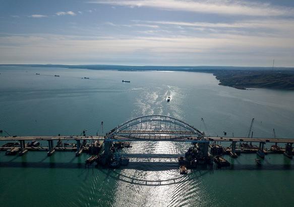 Мост катастроф: экологи и моряки рассказали о страшных последствиях строительства Крымского моста