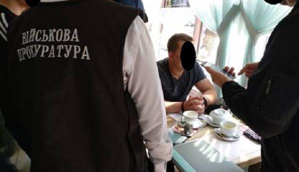 В Днепре майор налоговой милиции шантажировал продавца горючего