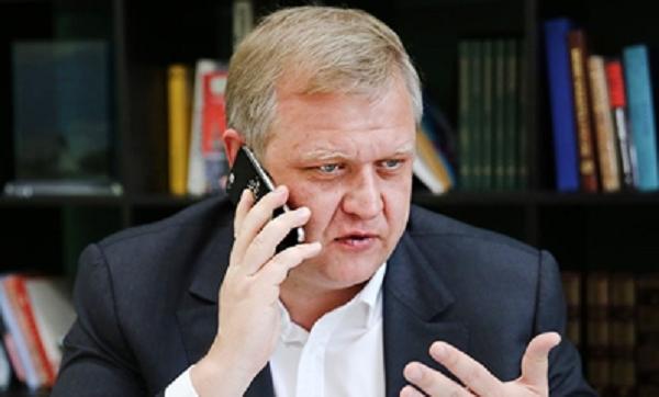 Экс-министра культуры Капкова обобрал бескультурный Вдовин