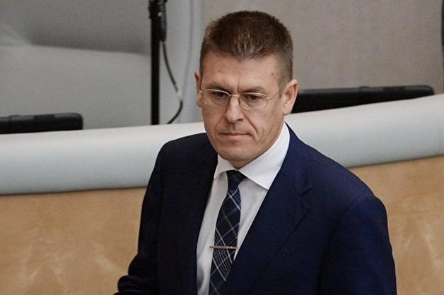 Доход заместителя министра культуры в 15 раз превысил заработки Мединского