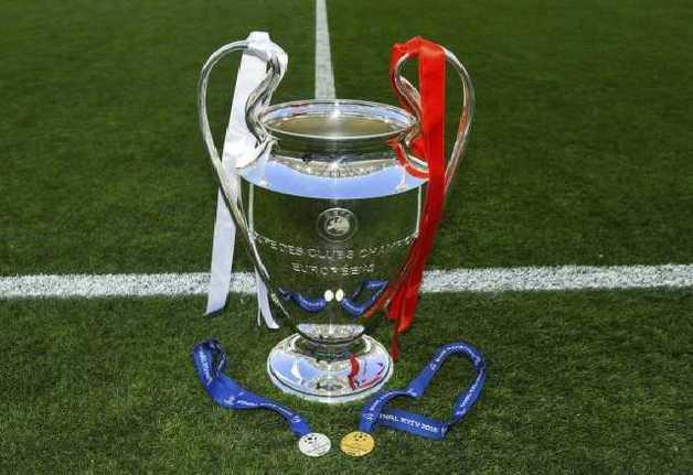 На финале Лиги чемпионов присутствуют Порошенко и король Испании
