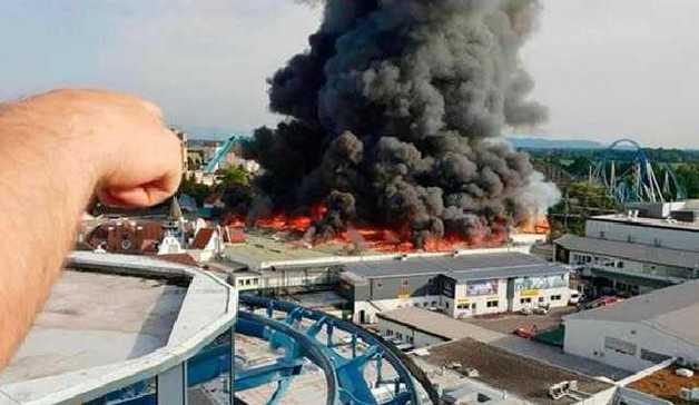 В Германии горит крупнейший парк развлечений