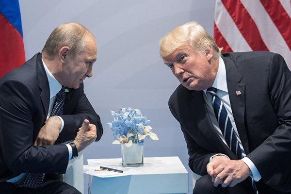 Сноуден рассказал о безумной любви Трампа к Путину