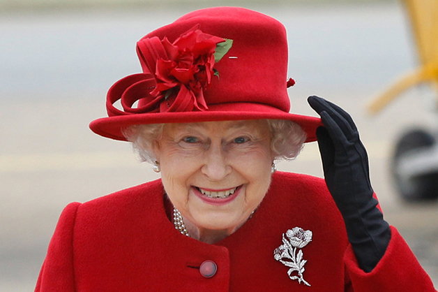 Свадьба принца Гарри: психолог объяснила яростный взгляд Елизаветы II на Меган Маркл