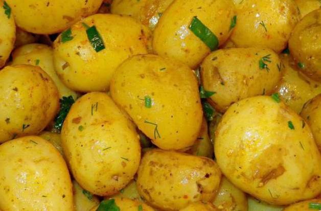 Берегите здоровье: кому нельзя есть молодую картошку