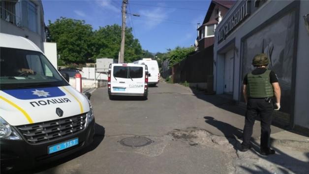 В Киеве в ритуальное бюро выстрелили из гранатомета