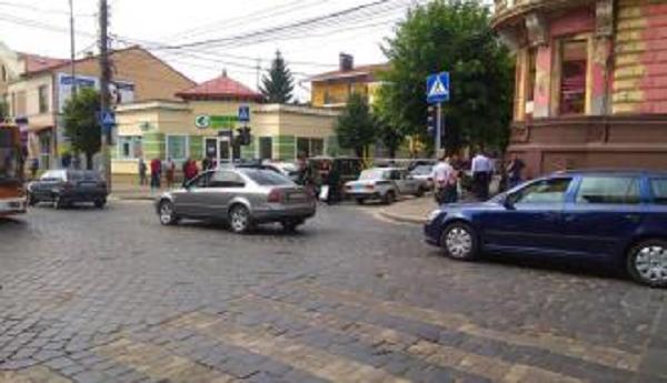 В Черновцах прогремел взрыв у здания СБУ