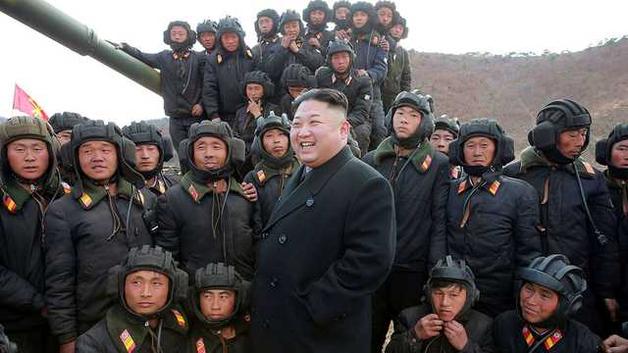 """""""Он талант и любит КНДР"""". Трамп, после подписания документа, рассыпался в комплиментах Ким Чен Ыну"""