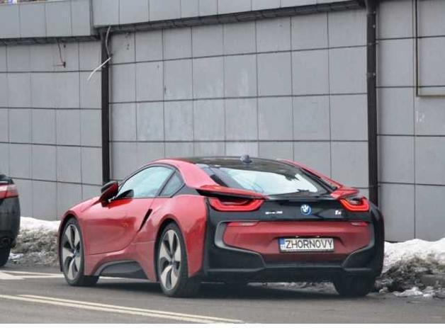 Украинец разбил редкий BMW на именных номерах