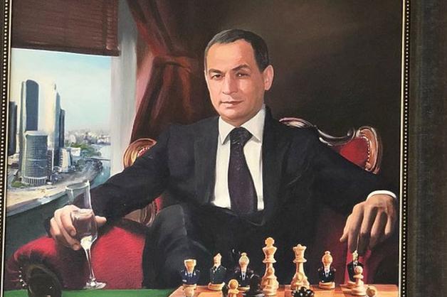Дом самолюбования. Выяснились подробности обысков в доме главы Серпуховского района
