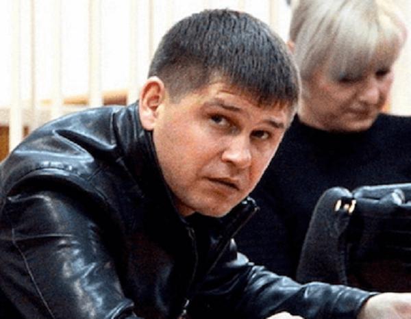 Взятка в чайнике и павлин шефа ИК-19 Алмаза Тезеева