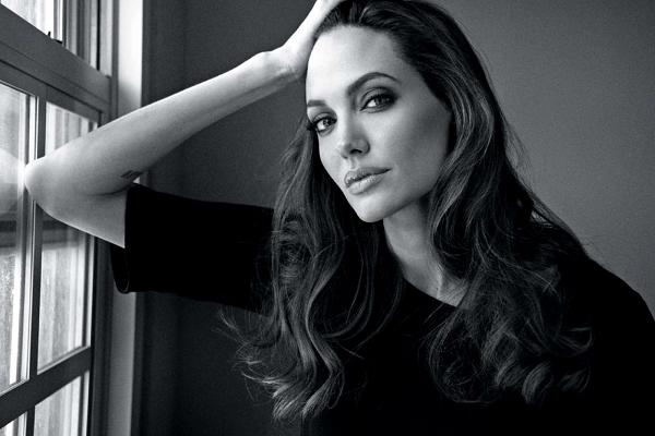 У Джоли появился новый двойник: в сети показали красавицу