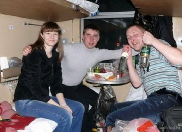 Атмосфера плацкарта: что ждет болельщиков в российских поездах