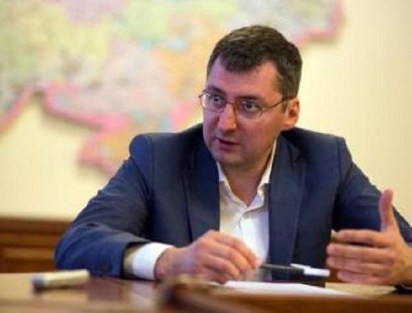 Адвокат-наркоман Константин Ликарчук сделал наркопритон в своей элитной киевской квартире на Круглоуниверситетской 14