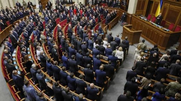 Нардепы внесли законопроект о дерибане 10 миллиардов на «зеленых» тарифах вместе с Ахметовым