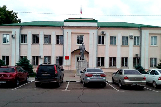 На Кубани судья, приговаривая пацифиста к штрафу, похвалил российскую армию за способность «поставить раком весь мир»