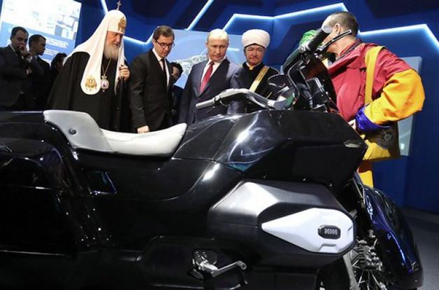 Для кортежа Путина приготовили новый мотоцикл