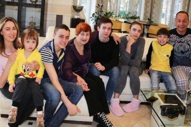 Дети Шестуна попросили Путина «вернуть им папу»