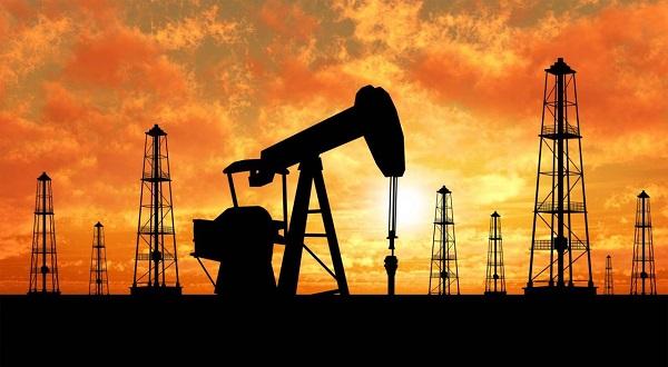 Такого не было уже четыре года. Цены на нефть стремительно полетели вниз