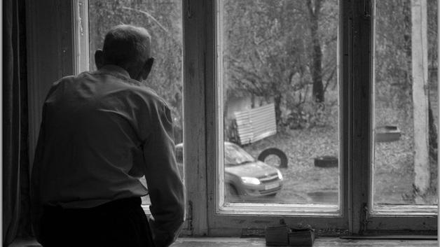 Отжим квартиры по-киевски. 7 тысяч гривен обещают любому, кто даст наводку на одинокого старика