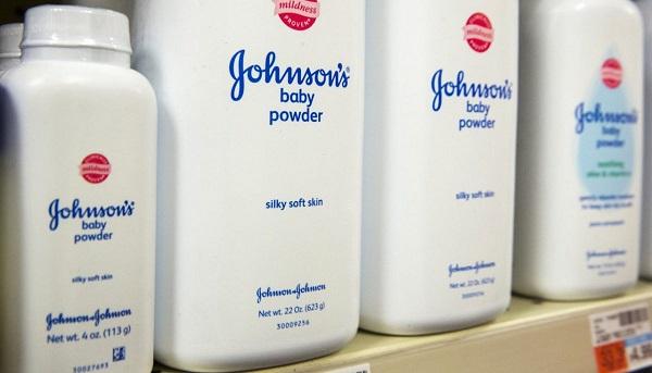 Присыпка вызывала рак: В Америке женщины выиграли суд у компании Johnson & Johnson на 4.7 миллиарда