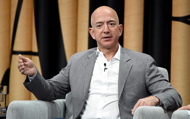 Основатель Amazon Безос стал самым богатым человеком в истории