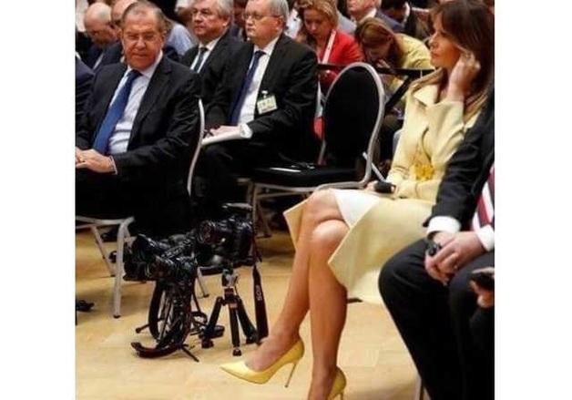 """""""Отличные туфли, надо жене взять"""": Лаврова застукали на выступлении Трампа и Путина"""