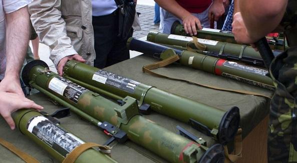 Чем Россия вооружает «армию» боевиков на Донбассе?